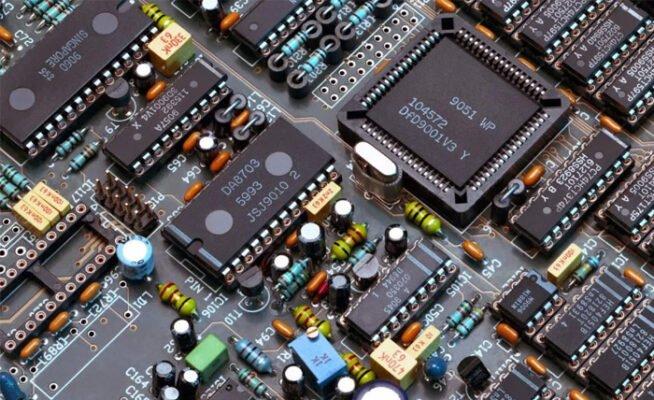 conocimientos academicos microcontroladores